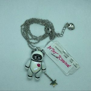 🆕💋Betsey Johnson Star Power Astronaut Necklace